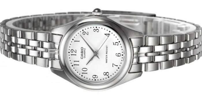 Годинник Swatch швейцарського виробника займають лідируючу позицію серед  недорогих марок у всьому світі. Поєднання високої якості і низької  вартості 586a04ec86319