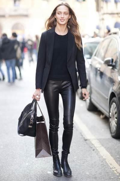 З чим носити жіночі шкіряні штани  поради 89f28ebac8895